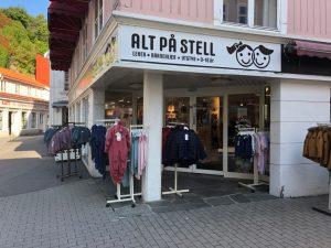 Utsiden av barnebutikken Alt p책 stell i Krager첩.