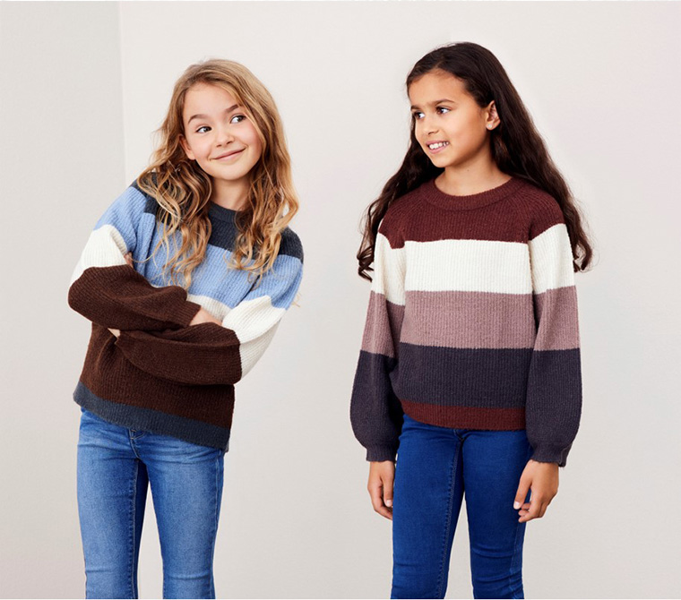 to jenter, barneklær, stripete genser
